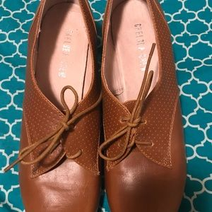 Oxford heels. Great condition!